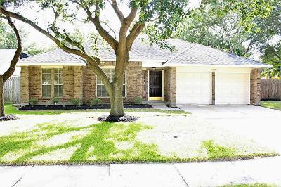 League City Single Family Home For Sale: 409 Starborrough Drive