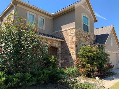Single Family Home For Sale: 17922 Creek Bluff Lane