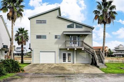 Tiki Island Single Family Home For Sale: 1610 Tiki Drive