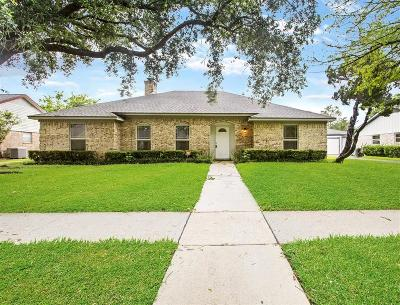 Friendswood Single Family Home For Sale: 322 Dawn Hill Drive