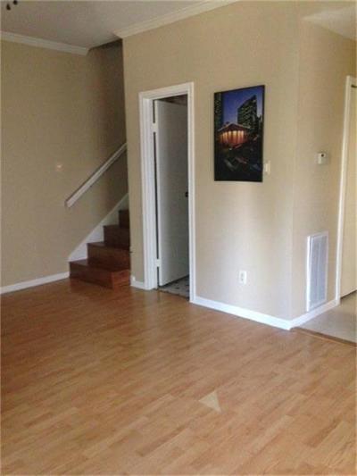 Houston Condo/Townhouse For Sale: 8299 Cambridge #403