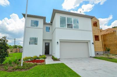 Houston Single Family Home For Sale: 326 Yale Oaks Lane