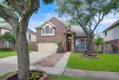 Sugar Land Single Family Home For Sale: 222 E Darby Trails Drive