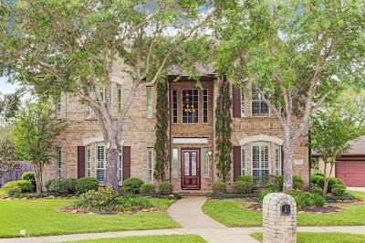 Friendswood Single Family Home For Sale: 2012 Cardinal Ridge Circle
