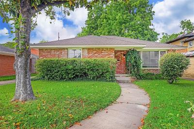 Braeswood Single Family Home For Sale: 2405 Dorrington