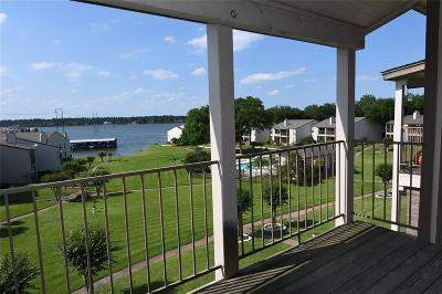 Conroe Condo/Townhouse For Sale: 304 Lakeview Terrace #D