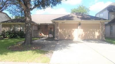 La Porte Single Family Home For Sale: 10919 Dogwood Drive