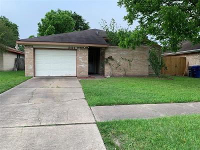Single Family Home For Sale: 17506 Glenmorris Drive