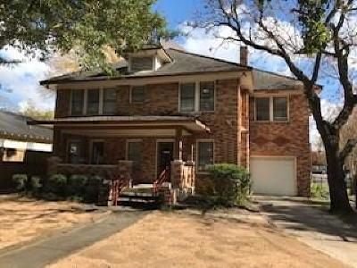 Houston Single Family Home For Sale: 902 Heights Boulevard