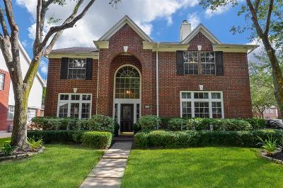 Sugar Land Single Family Home For Sale: 4902 Bend Court Court