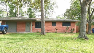 Dickinson Single Family Home For Sale: 2805 Oak Drive