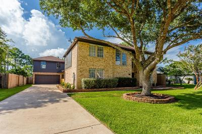 Alvin Single Family Home For Sale: 3206 Wood Fox Drive