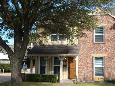 Houston Condo/Townhouse For Sale: 10386 Hammerly Boulevard #32