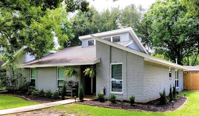 Friendswood Single Family Home For Sale: 1209 Yorkshire Drive