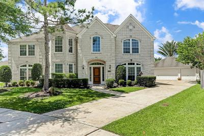 Single Family Home For Sale: 2402 Royal Palm Court
