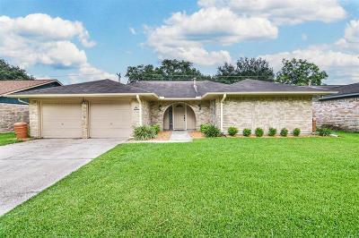 Deer Park Single Family Home For Sale: 618 E Temperance Lane