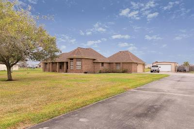 Baytown Single Family Home For Sale: 4115 Seneca Drive