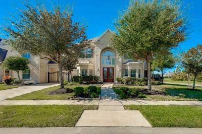 Sugar Land Single Family Home Pending Continue to Show: 1602 Bartrum Trail