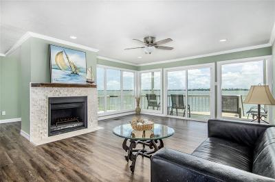 Seabrook Single Family Home For Sale: 2 Mariner Village Drive