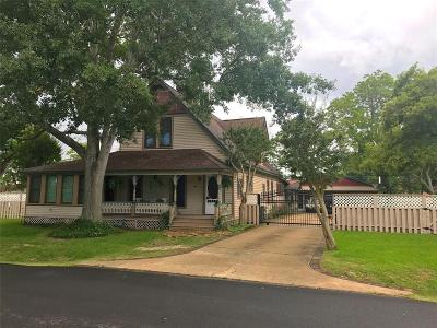 La Porte Single Family Home For Sale: 916 S Virginia Street