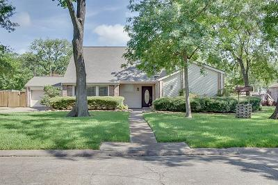 Baytown Single Family Home For Sale: 502 Post Oak Drive