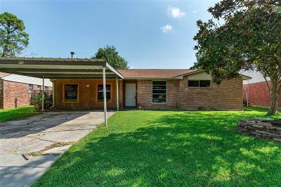 Baytown Single Family Home For Sale: 416 Harold Lane