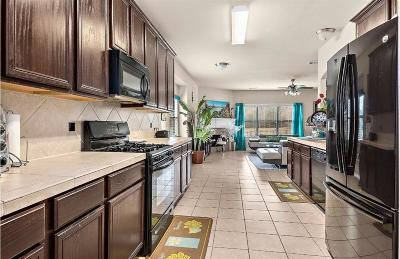 Conroe Single Family Home For Sale: 8015 N Tarrytown Crossing Drive