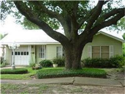 Pasadena Single Family Home For Sale: 1901 Locklaine Drive