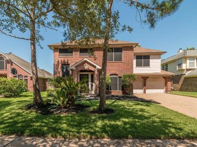 League City Single Family Home For Sale: 106 Crimson Bay Drive