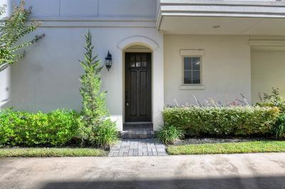 Single Family Home For Sale: 16 Hermann Park Court