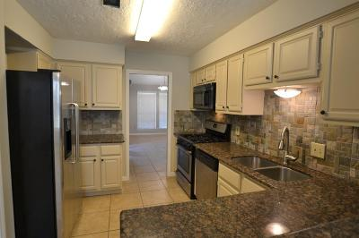 Crosby TX Single Family Home For Sale: $184,900