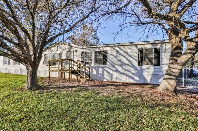 Highlands Single Family Home For Sale: 113 Red Haven Drive