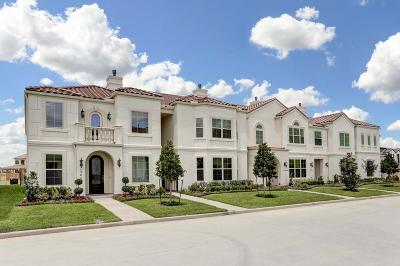 Houston Condo/Townhouse For Sale: 13621 Teal Bluff Lane