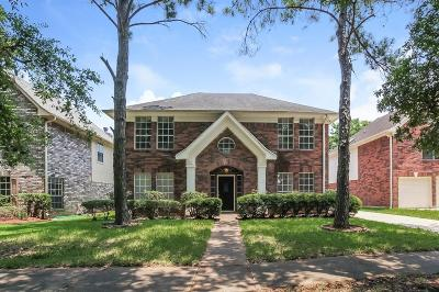 Sugar Land Single Family Home For Sale: 2207 Bent River Drive