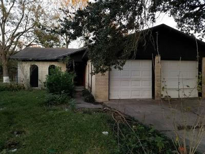 Baytown Single Family Home For Sale: 7240 Kings Drive