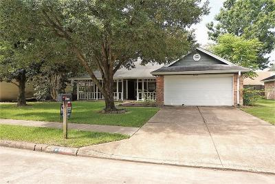 Pearland Single Family Home For Sale: 2412 Colleen Drive