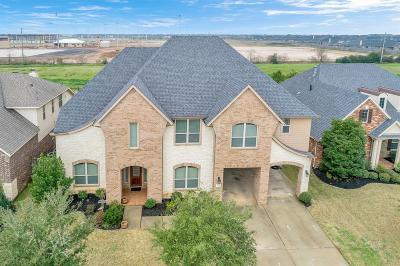 Fulshear Single Family Home For Sale: 3930 Banks Landing Court