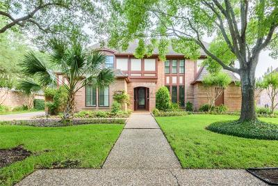 Houston Single Family Home For Sale: 19818 Summerset Way