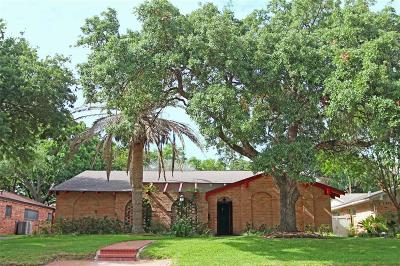 Houston Single Family Home For Sale: 18231 Nassau Bay Drive
