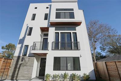 Houston Single Family Home For Sale: 7327 Shadyvilla Pointe
