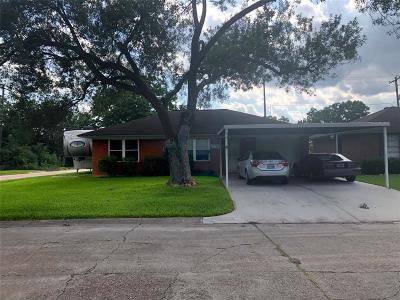 Pasadena Single Family Home For Sale: 2210 Huckleberry Lane