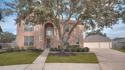 Pearland Single Family Home For Sale: 3301 Edgewater Bend Court