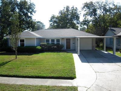 Oak Forest Single Family Home For Sale: 2303 Saxon Drive