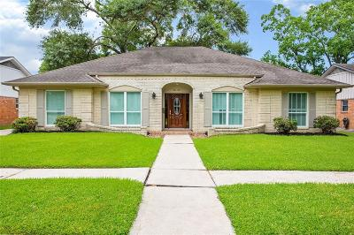 Houston Single Family Home For Sale: 6134 Dumfries Drive