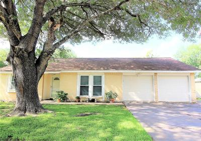 Pearland Single Family Home For Sale: 1614 Cypress Hollow Street