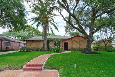 Single Family Home For Sale: 18231 Nassau Bay Drive