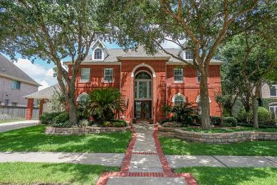 Sugar Land Single Family Home For Sale: 1415 Azalea Bend