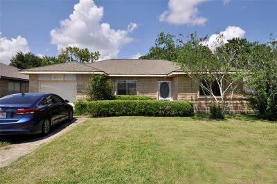 Friendswood Single Family Home For Sale: 411 Bellmar Lane