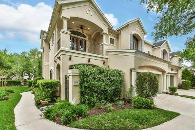 Sugar Land Condo/Townhouse For Sale: 24 Sweetwater Court