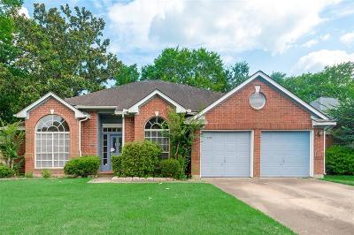 Single Family Home For Sale: 14719 Cedar Isle Drive